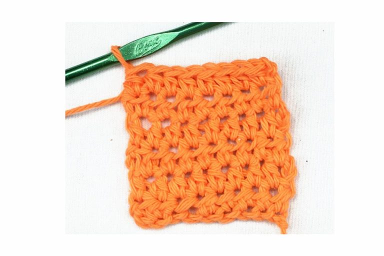How to do a Half Double Crochet Stitch (hdc)